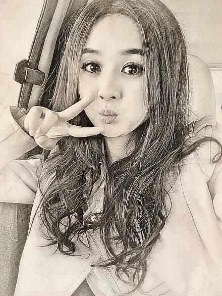 娱乐圈明星素描画,鹿晗帅气,她有点吓人,最后一张你一定不认识