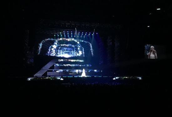 安室奈美惠台北开演唱会 泪洒舞台挥手道别